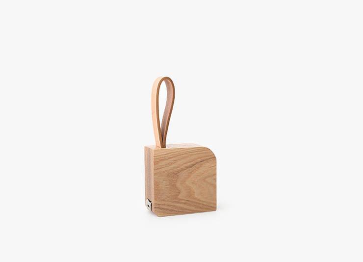 Wood Measure: TANT DESIGN_땅뜨디자인의  거실