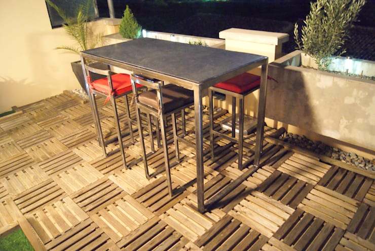 Table haute d'extérieur en Métal : Jardin de style  par Cb8design