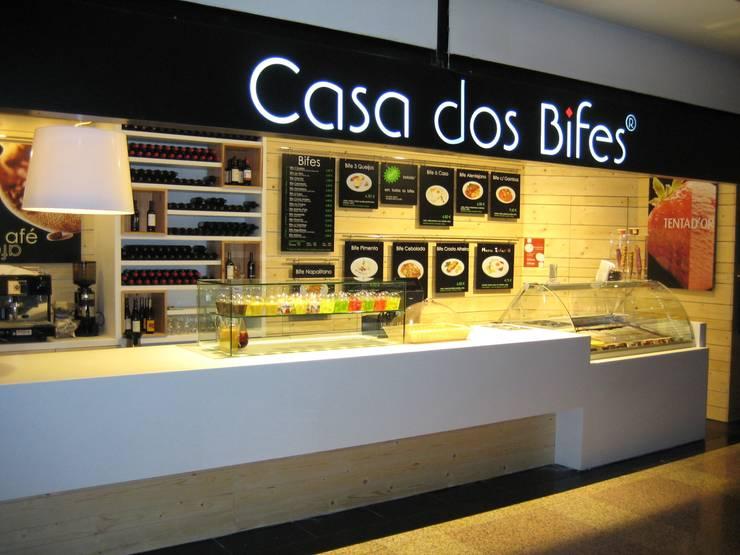 Casa dos Bifes: Espaços comerciais  por Astone - Solid Surface Tailors