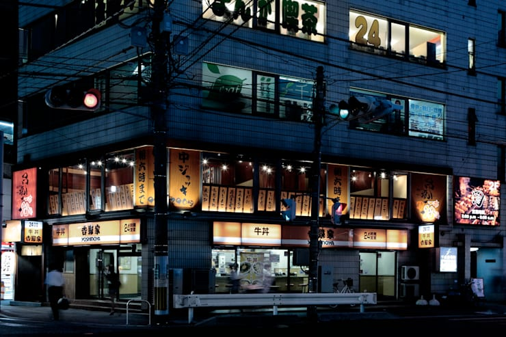 串焼屋 太郎: 谷山武デザイン事務所が手掛けたオフィススペース&店です。