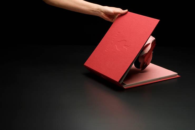 Book of Light (Artechnica): Takeshi Ishiguro Creative Labが手掛けた寝室です。