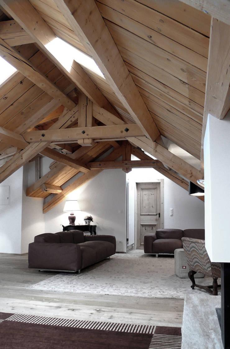 samaden: Soggiorno in stile  di andrea borri architetti
