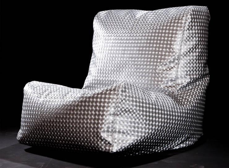 Poltrona CAVENA Cristal Metal: Soggiorno in stile  di CAVENA