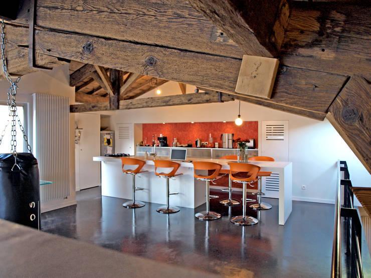 Bordeaux > 4 logements de ville: Cuisine de style  par atelier d'architecture King Kong