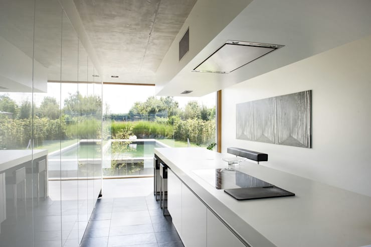 modern Kitchen by Maisons Loginter