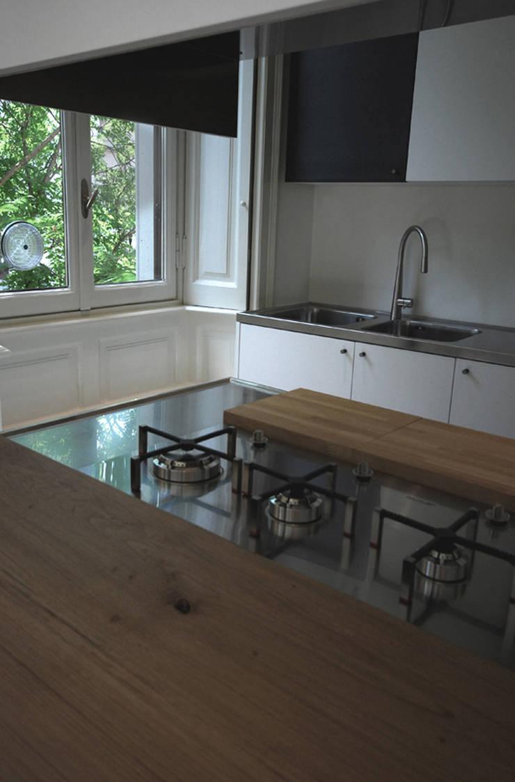goldoni: Cucina in stile  di andrea borri architetti