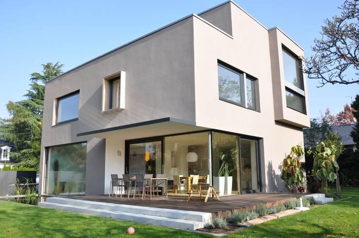 modern Houses by Neugebauer Architekten BDA