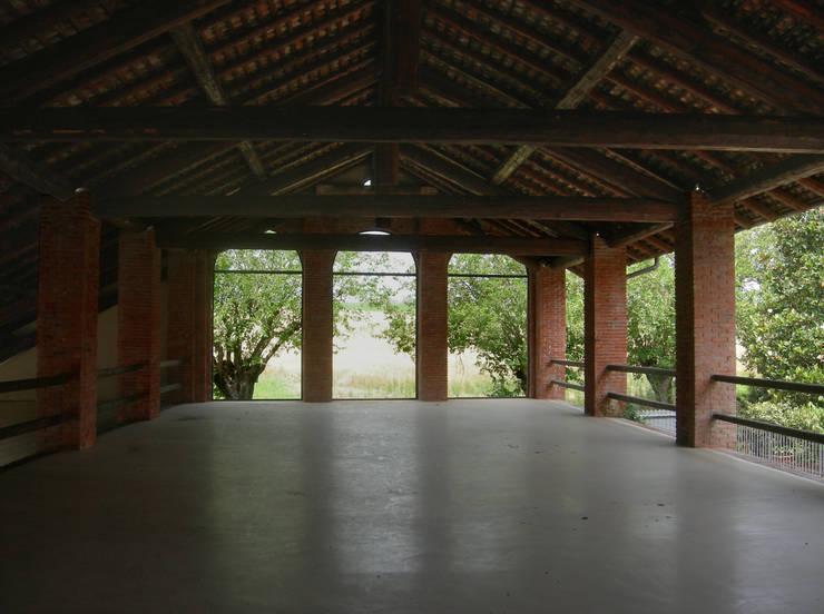 PASSATO E PRESENTE: Case in stile  di Emanuela Orlando Progettazione, Rurale