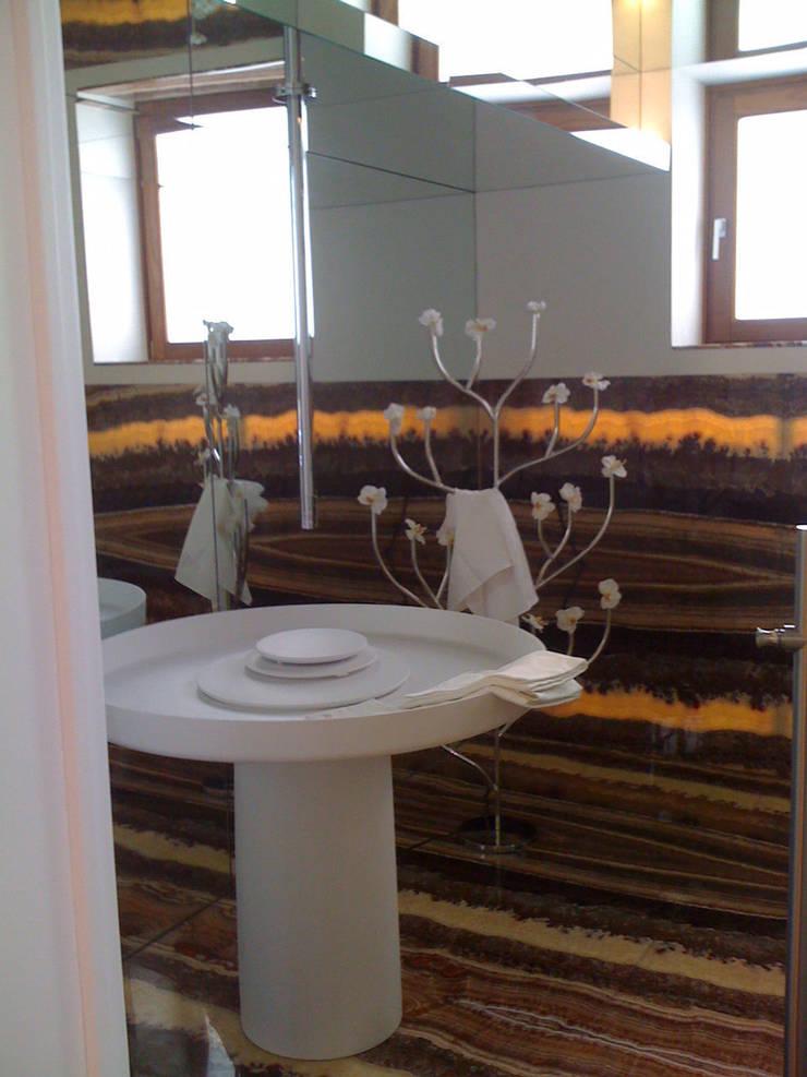 possilipo: Bagno in stile  di ARCHITETTO