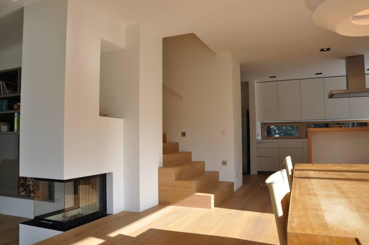 modern Dining room by Neugebauer Architekten BDA