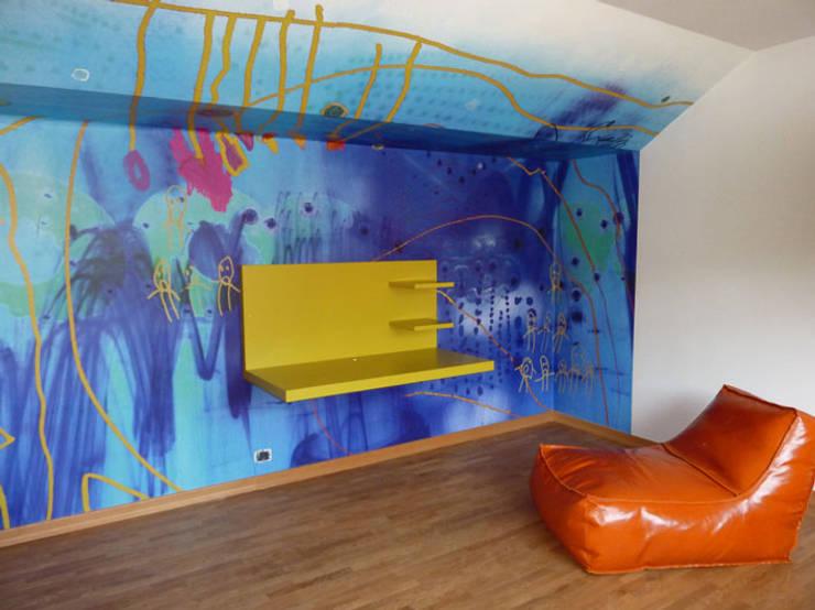 Child Fun ,Praag:  Muren & vloeren door Workingbert