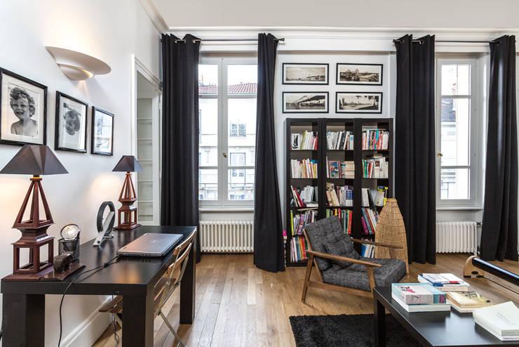 Rénovation d'un appartement à Lyon 6e: Bureau de style de style Classique par Stellati Rénovation