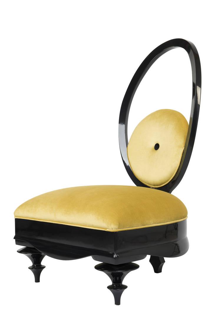Colección Casa Decor 2013_ Sillón amarillo: Hogar de estilo  de moreandmore design
