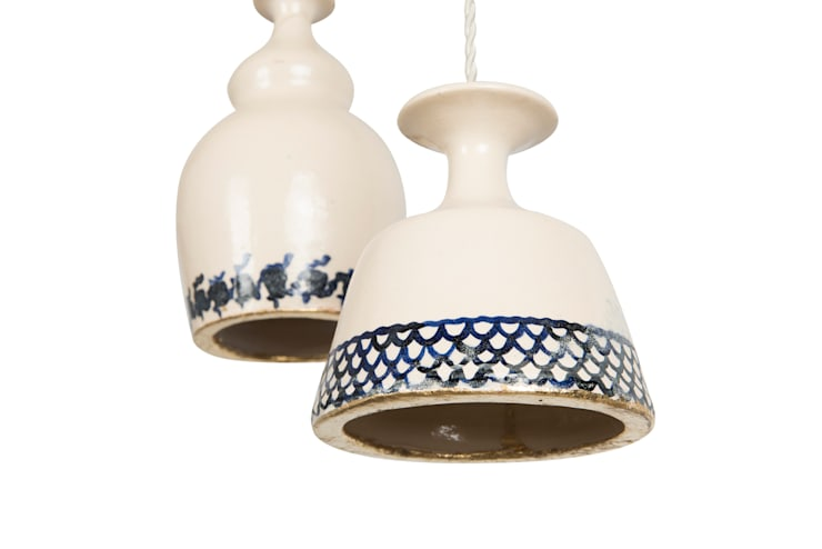 Colección Casa Decor 2013_ Lámpara de techo cerámica: Hogar de estilo  de moreandmore design