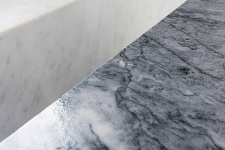 Colección Casa Decor 2013_ Mesitas: Hogar de estilo  de moreandmore design