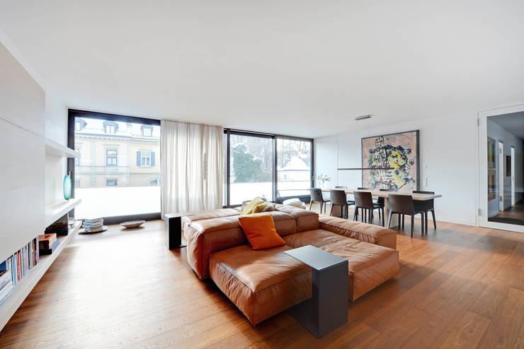 Wohnraum:  Wohnzimmer von wesenfeld höfer architekten,Minimalistisch