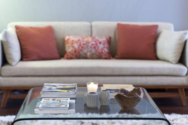 Travel Room: Salas de estar  por Ana Rita Soares- Design de Interiores