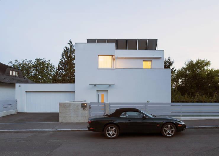 Vorstadtvilla in Wien Penzing:  Häuser von Abendroth Architekten