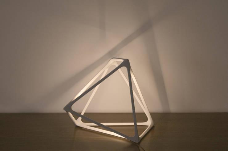 Luminaire Molecula de Benjamin Miglioe: Salones de estilo  de Benjamin MIGLIORE
