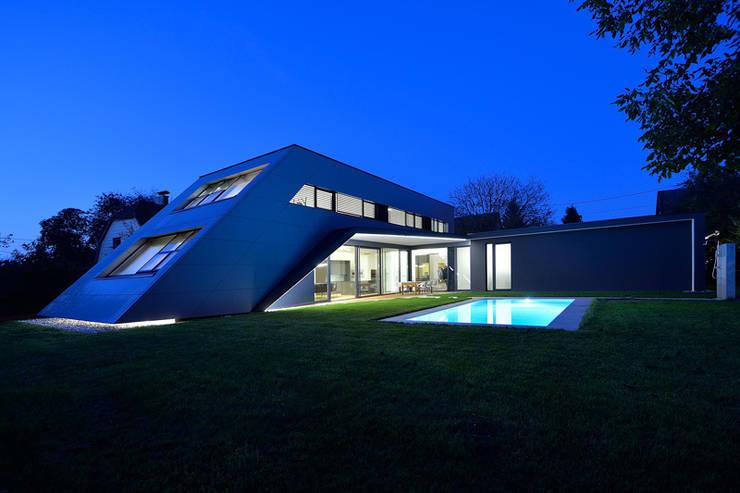Projekty, nowoczesne Domy zaprojektowane przez haas_architektur ZT GmbH