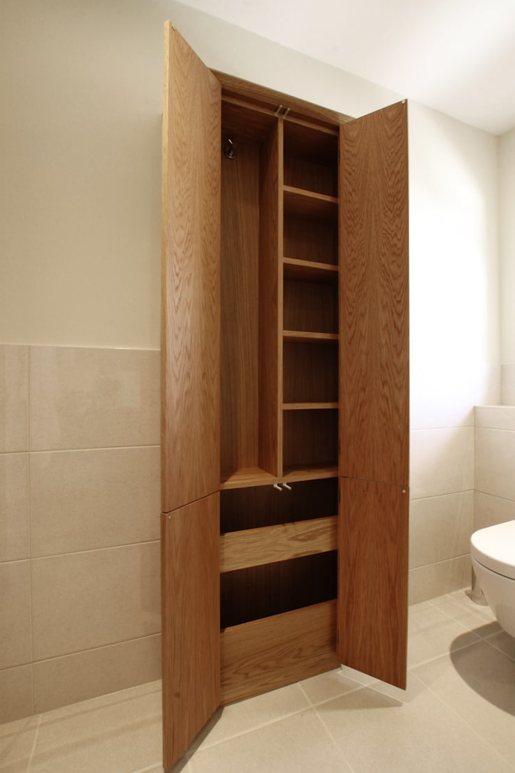 Residential - Hampton Court:  Bathroom by Tendeter