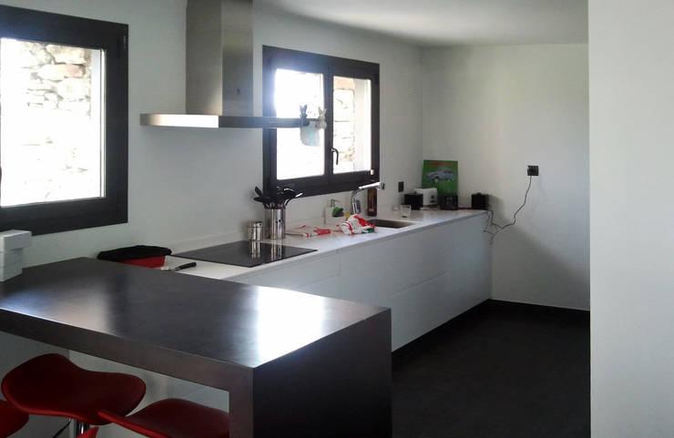 Cocinas de estilo  por arquitectura SEN MÁIS