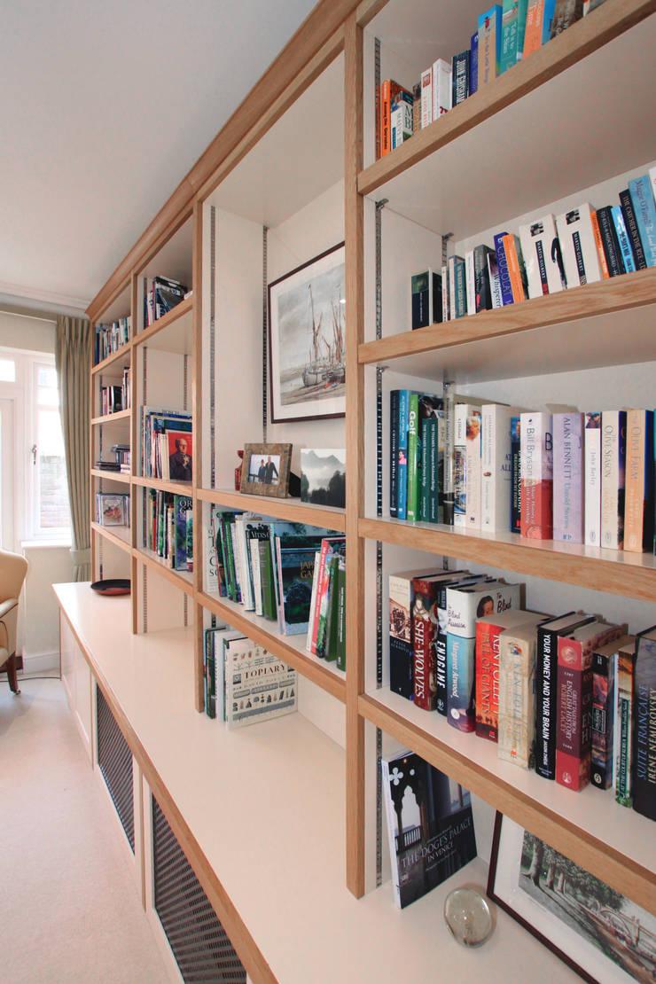 Residential - Hampton Court:  Living room by Tendeter