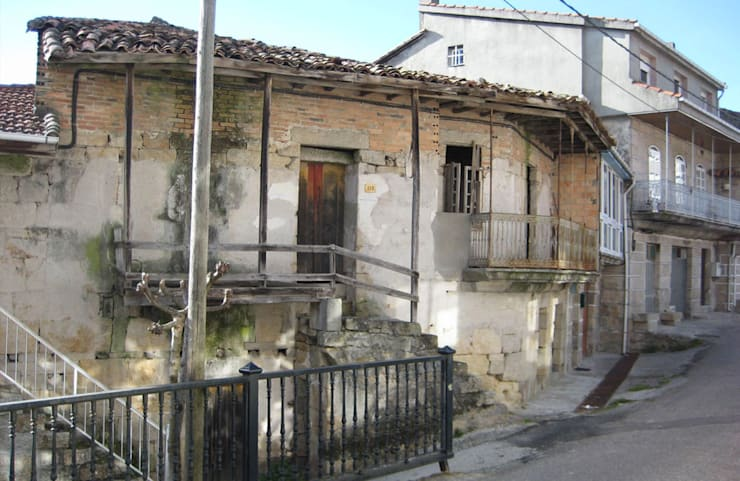 REHABILITACIÓN DE VIVIENDA UNIFAMILIAR EN XUNQUEIRA DE ESPADANEDO:  de estilo  de arquitectura SEN MÁIS
