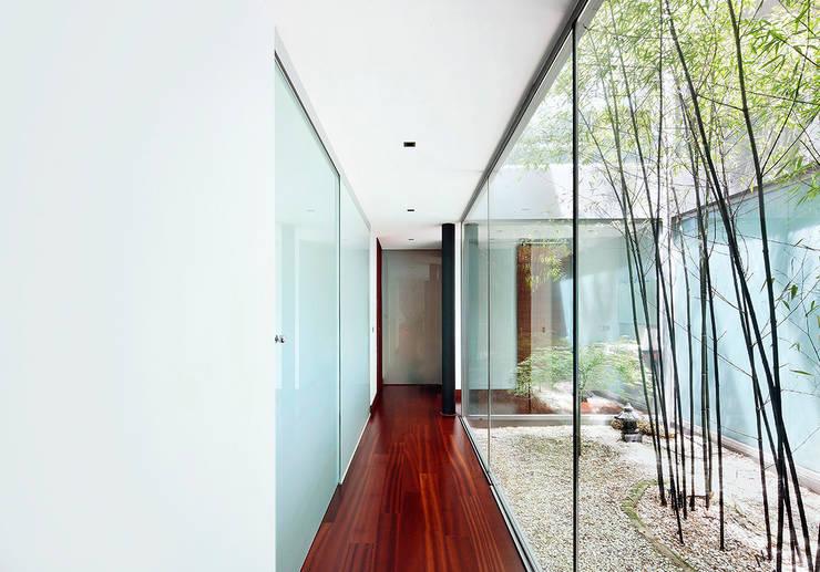 Maisons de style de style Moderne par Hoz Fontan Arquitectos