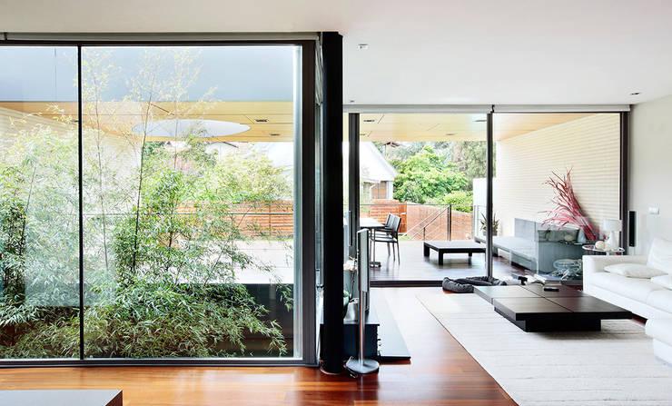 Casas de estilo  por Hoz Fontan Arquitectos