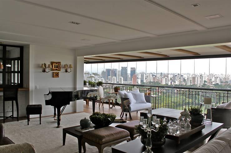 Apartamento São Paulo: Salas de estar  por Vaiano e Rossetto Arquitetura e Interiores