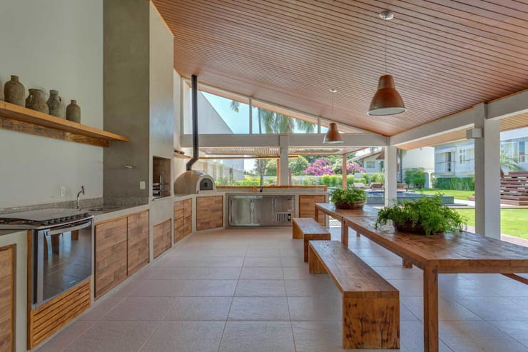 Piscinas modernas por Nautilo Arquitetura & Gerenciamento