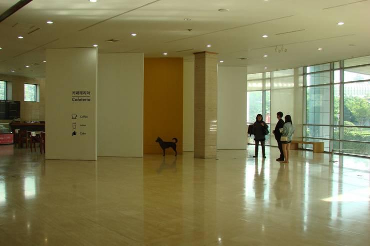 부산시립미술관: (주)일신설계종합건축사사무소의  전시장
