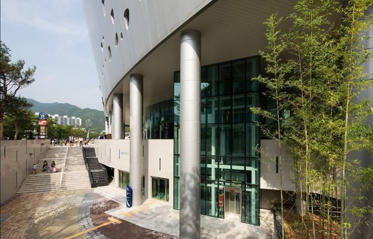 벡스코 : (주)일신설계종합건축사사무소의  회의실,모던