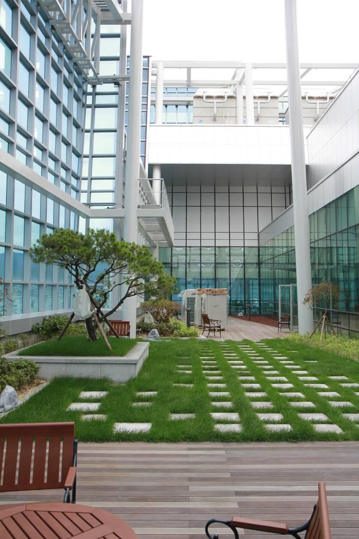 부산은행 본점: (주)일신설계종합건축사사무소의  회의실