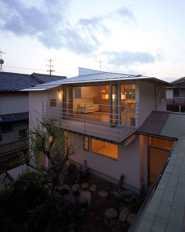 森を望む家: 西島正樹/プライム一級建築士事務所 が手掛けた家です。