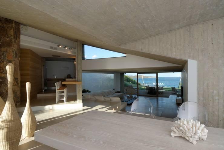 Ruang Keluarga by Studio Marastoni