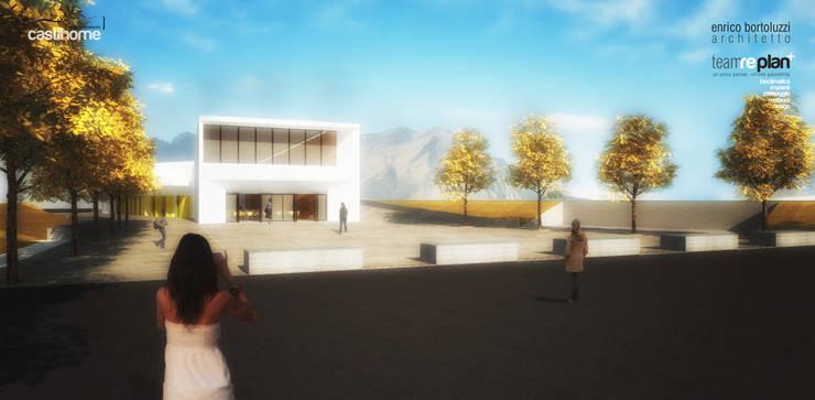 CENTRO POLIFUNZIONALE CASTIHOME- vista dal nuovo piazzale Sud: Centri congressi in stile  di Team Replan - Bortoluzzi Associati, Moderno