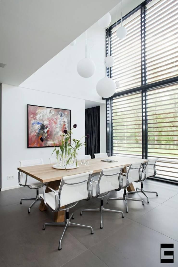 Woonhuis 47044:  Eetkamer door Geert van den Oetelaar Architect