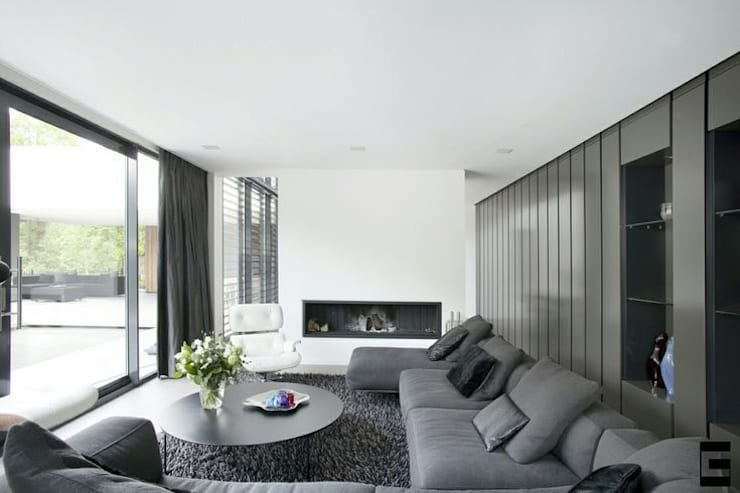 modern Living room by Geert van den Oetelaar Architect