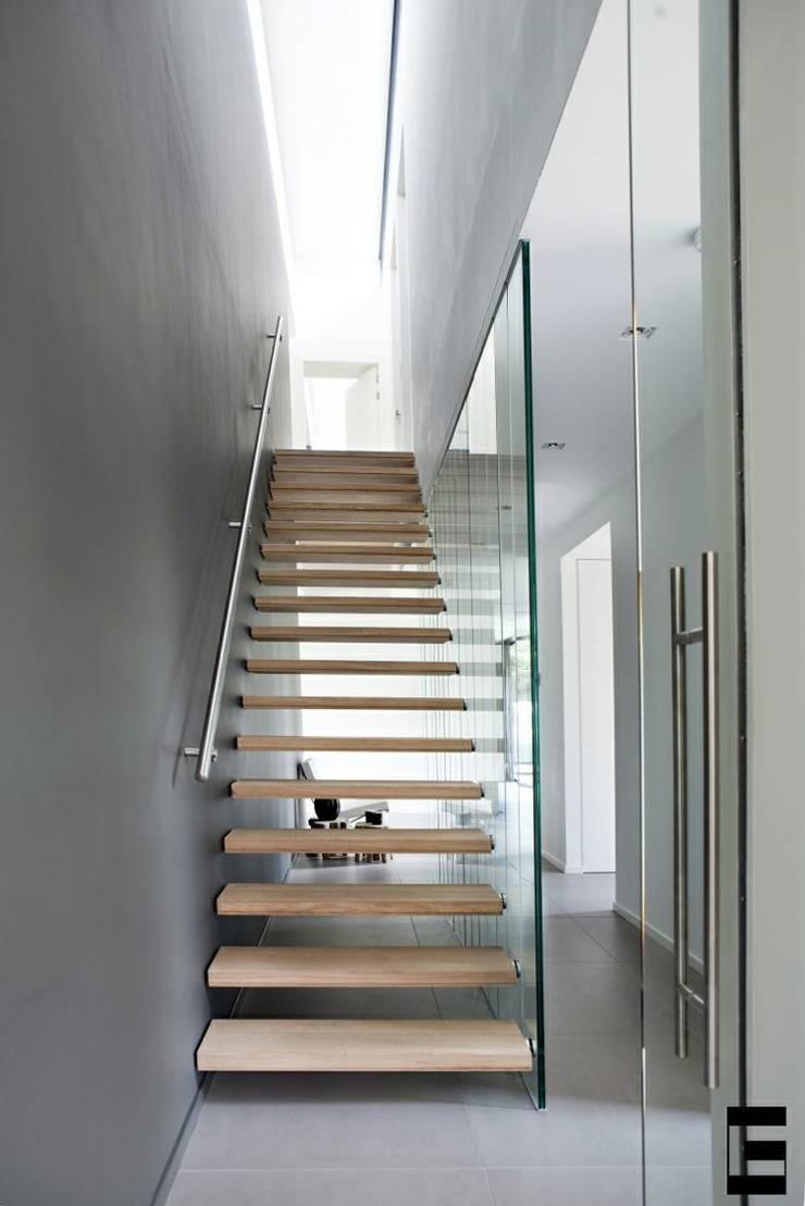 Woonhuis 47044:  Gang en hal door Geert van den Oetelaar Architect