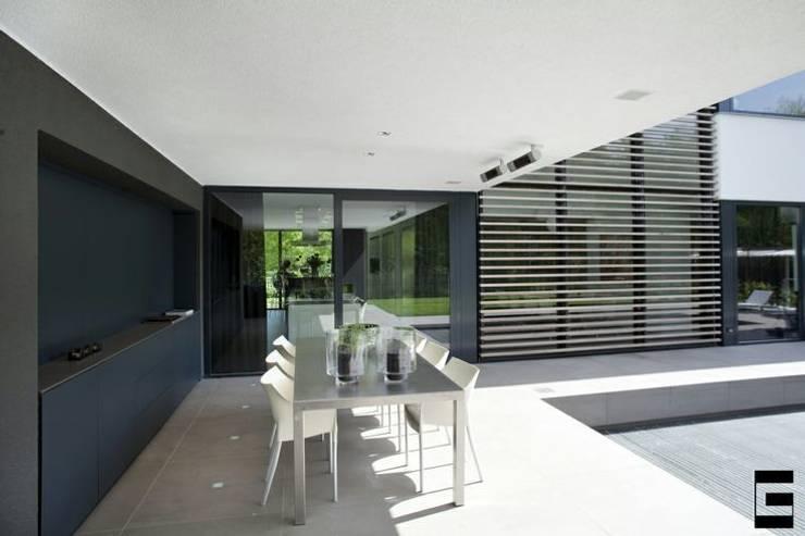Woonhuis 47044:  Zwembad door Geert van den Oetelaar Architect