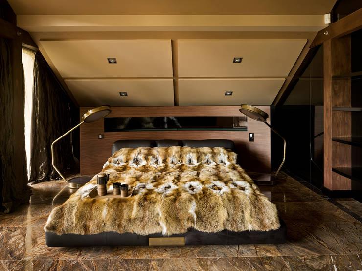 «Золотая резиденция в поселке Репино» 600м. кв.: Спальни в . Автор – FullHouseDesign