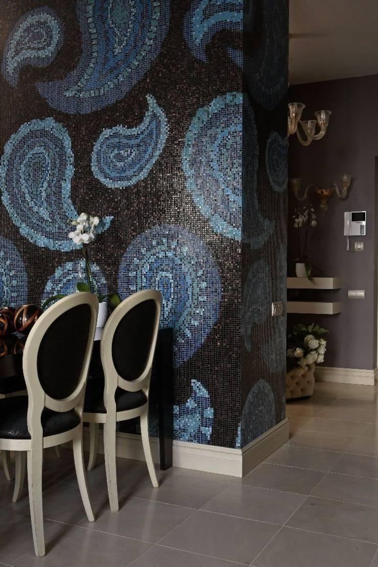 Над Москвой: Стены в . Автор – Atelier Interior