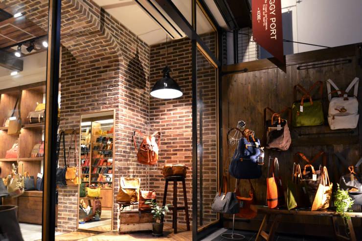 BAGGY PORT 堀江店: TRANSFORM  株式会社シーエーティが手掛けた商業空間です。