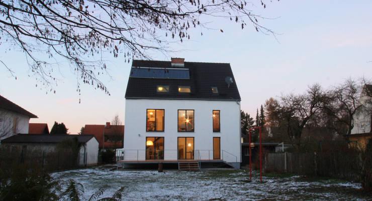 Gartenfassade:  Häuser von christina patz architektur energieberatung