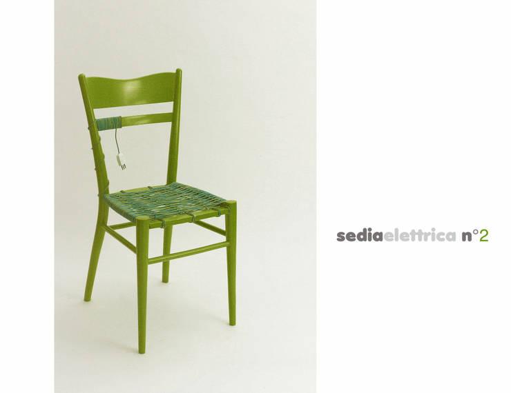 sedia elettrica verde:  in stile  di Michela Brondi, Eclettico