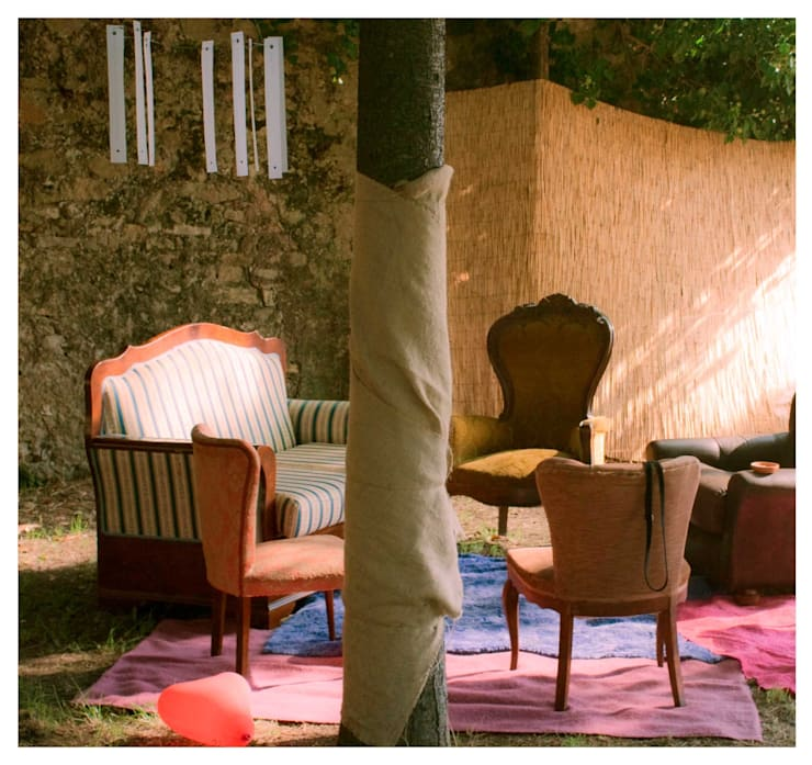 installazione - The Warming Sun: Giardino in stile  di Michela Brondi, Minimalista