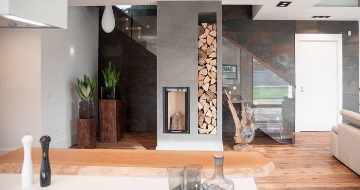 Couloir et hall d'entrée de style  par Ewa Weber - Pracownia Projektowa, Industriel