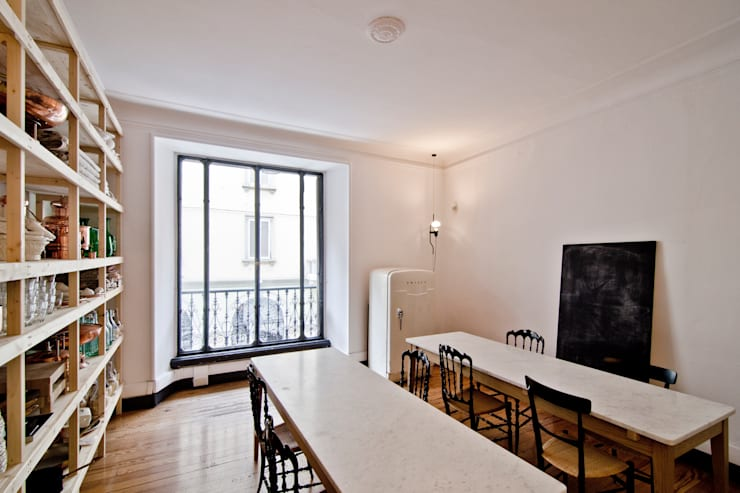 P8 apartment | Segno Italiano® showroom | Milan | cucina:  in stile  di Segno Italiano®, Mediterraneo